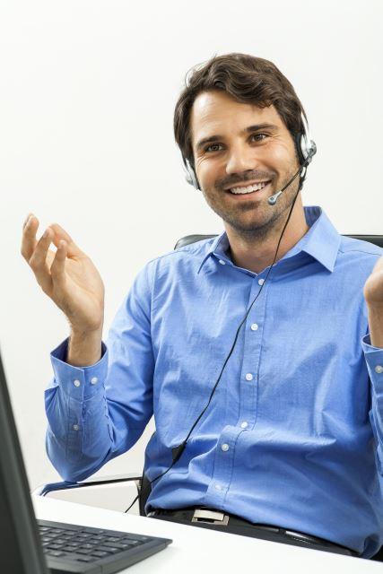 Wieso ein normales Telefon Ihrer Produktivität schadet und was Sie dagegen tun können - Lächeln zum Headset