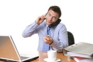 Wieso ein normales Telefon Ihrer Produktivität schadet und was Sie dagegen tun können - zu viel zu tun