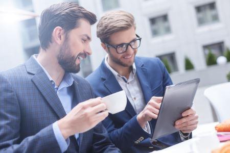 Warum Sie ohne Follow-Up 80% Ihres Umsatzes verschenken - Schnell abgelenkt